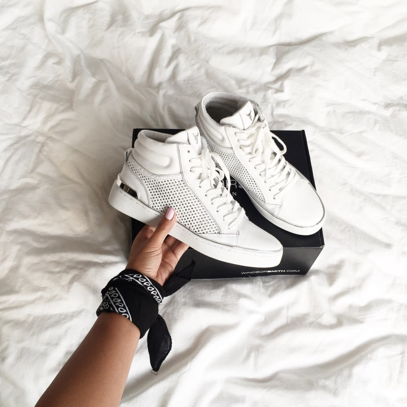 Some white sneakers for your 2016 collection